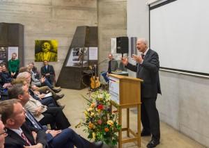 Schirmherr Prof. Dr. Dr. h.c. Kirchhof spricht zur Eröffnung der ersten Ahrweiler Freiheitswochen / Foto: Dominik Ketz