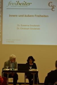 """Vortrag von Dr. Susanne Smolensik und Dr. Christoph Smolenski """"Innere und äußere Freiheit"""" in der Dr. von Ehrenwall'schen Klinik / Foto: Wilfried Lenz"""